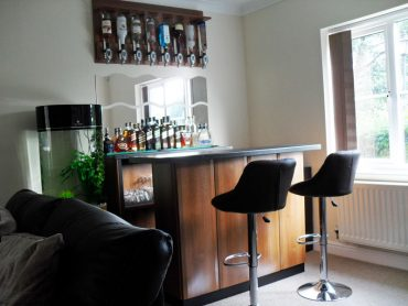 suite in walnut customers bar lg